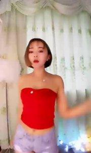 靠一条花椒小视频就获得了千元打赏,ta到底是谁?揭秘>>