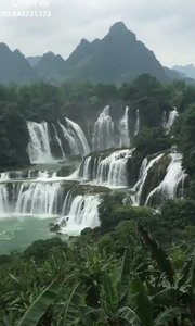 美丽的瀑布,你说美不。。。。。