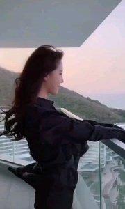 超级可爱的小姐姐,萌萌哒!???