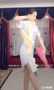 """她是有丁香一样的颜色,丁香一样的""""芬芳"""",在直播间美美的舞动,美美的转圈圈?@Anne.古典舞 #爱跳舞的我最美 #我怎么这么好看 @花椒动态"""
