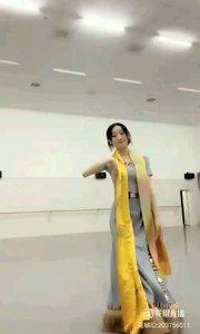 @花椒动态 美了美了@馨妍????? #我怎么这么好看 #爱跳舞的我最美 #主播的高光时刻