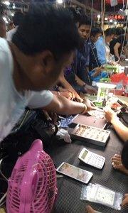 缅甸边境翡翠戒面交易市场