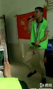 众生缘爱与陪伴公益大使——歌手胡晓颖活动现场高歌 可在各大媒体视频平台观看