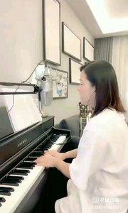 请欣赏音乐才女@爱唱歌的松叶叶 99955577钢琴弹唱《最美的期待》#爱唱歌的松叶 #花椒音乐人
