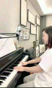 @爱唱歌的松叶叶 钢琴弹唱《月亮代表我的心》#爱唱歌的松叶 #花椒音乐人