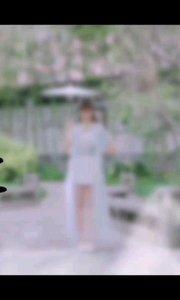 你可记得你救过的那条青蛇? 五百年了,她一只在找寻着她的恩人。。 用她的一切,只为那一个承诺