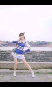 《庄上》 一曲古风浓郁的舞蹈 一位清丽可人的女孩 一把飞龙舞风的竹笛 演绎的是怎样的江湖情仇?爱恨别离呢?