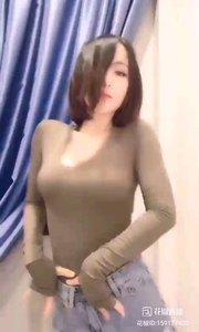#性感不腻的热舞  @喜庆66 凌乱之美,便是如此,伤逝的眼,更容易牵动无数人的心