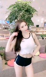 #夏日清凉美女多 #我怎么这么好看 #户外动起来  她是谁?她就是全平台 人最美 舞最辣 笑起来最甜的女孩?@?你的小甜心?
