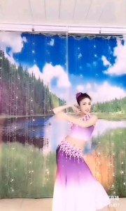 #性感不腻的热舞 @✨火爆猴?  看啊,那蝴蝶泉边的孔雀,向世人展示着她的翎羽 看啊,那蝴蝶泉边的美人,向世人展示着她的舞姿 如能一般,如画一样,让人迷离,让人癫狂
