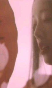 #性感不腻的热舞  人生漫途,一杯妙酒,手抚一琴,月光渺渺,酒醉彷徨,乍然看去,月下美人,月中曼舞,曼妙舞姿,忽起一声,香魂淡去。