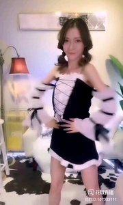 #性感不腻的热舞 @?夏小小狐狸? 明明是小猫,却比狐狸更加魅惑,这就是舞者的魅力吧?