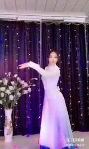 @✨火爆猴? #舞蹈 真正的舞者,一个抬手便是风情万种,便是柔情似水,太美了!