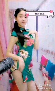 @婉茵儿 #性感不腻的热舞 朴质的少女,朴质的旗袍,合奏出属于女人的风景线