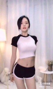 @Kerr... #性感不腻的热舞 马甲线是女孩最诱人的部位之一,不信你看