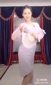 @Anne.古典舞百天快乐 #性感不腻的热舞 一纸扇,一袭裙,古典之美,便是如此简单,如此高贵