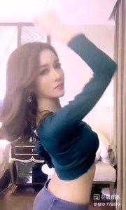 #性感不腻的热舞 这眼神,多少男人会拜倒在她的裙下?