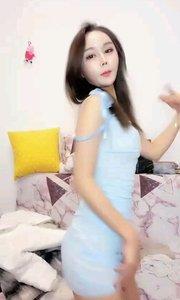这身材太好了,期待琪儿舞蹈早日学成? #新主播来报道  #性感不腻的热舞  #爱跳舞的我最美  #主播的高光时刻  @瑞琪琪儿
