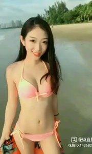海边美女???