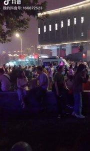 看看重庆国庆,。这都第三天了