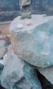 巨大的石像  只需要一个支点