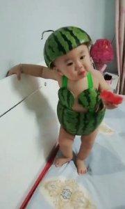 小孩子的西瓜装很好看