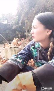 @一只温柔.深山里,勤劳,朴实可爱的女孩。