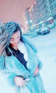 我在雪中等你