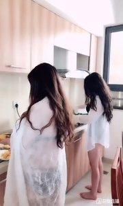 上?️厅堂 下?️厨房 出?️大海的全能?辣妹子做的饭菜你们能吃几碗[捂脸][捂脸][捂脸]会不会食欲大增[色]