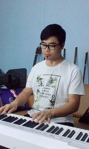 将你的心情告诉我,为你弹奏一首属于你自己的音乐。