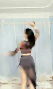 #花椒音乐人 #性感不腻的热舞 #主播的高光时刻         @子芊小妞 专业舞蹈之魂子凤舞韵味  芊眠涵芙蓉