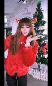 #圣诞cos大挑战 #圣诞老人?  #圣诞快乐呀  原来这一天不是为了礼物? 是想要爱和被爱? 你想我了吗?
