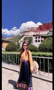 """""""想做的事情,就不要拖的太久,途中遇到的一切很美好""""。#西藏"""