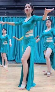 肚皮舞骆驼这样练???#性感不腻的热舞
