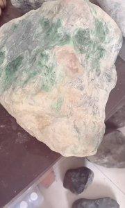 16.77公斤老坑木那色料,色莽带阳绿,喜欢收藏的朋友可以做个底座当天然摆件,可切博暴涨,木那出奇迹