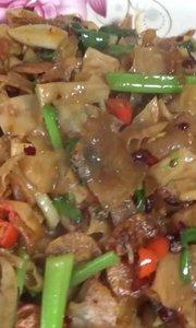 五花肉炒豆腐皮,家常菜