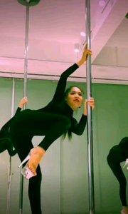 滿屏的大長腿  哈哈哈 #愛跳舞的我最美  #性感不膩的熱舞