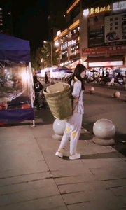 #最美中国风 人活的是心态,而不是心情。改【嘀~】度,享受过程,活在当下!#搞笑是刚需