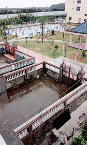 帅哥美女好这是我家门口篮球场在江口镇港下村