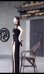 宝藏女友已上线。#谁还没有大长腿了