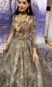 即想做你的王后,又想当你的公主?!#夏日古风秀 #颜即是正义 #夏日裙装大赛 #原创视频达人夏令营 #搞笑尖子生 #花椒好舞蹈 #脑洞大开的日常