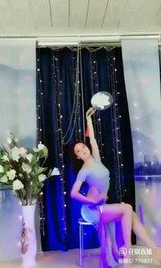 #轻歌曼舞 #我怎么这么好看 #主播的高光时刻 #今天直播穿点啥 @✨火爆猴? #最佳舞蹈 《猴猴专辑》