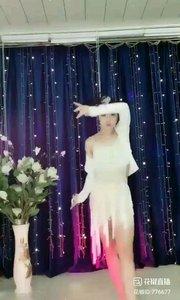 #轻歌曼舞 #主播的高光时刻 @✨火爆猴? #我怎么这么好看 #舞魅动人 《猴猴专辑》