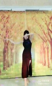 #轻歌曼舞 @✨火爆猴? #我怎么这么好看 #主播的高光时刻 #性感不腻的热舞 《猴猴专辑》