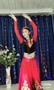 #新疆舞欣赏 @✨火爆猴? #主播的高光时刻 #爱跳舞的我最美 #我怎么这么好看 #性感不腻的热舞 《猴猴专辑》