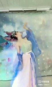 #轻歌曼舞  #我怎么这么好看  @✨火爆猴?  #主播的高光时刻  #性感不腻的热舞