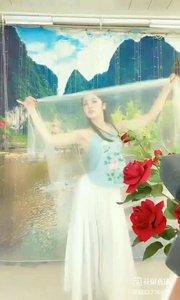 #轻歌曼舞  #我怎么这么好看  #主播的高光时刻  #性感不腻的热舞