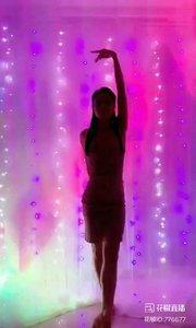 #身段优美  @✨火爆猴?  #性感不腻的热舞  #我怎么这么好看  #主播的高光时刻