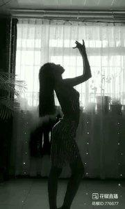 #婀娜多姿 #《问清》  #身段优美 @✨火爆猴?  #性感不腻的热舞  #我怎么这么好看  #主播的高光时刻  #拿本颜值做你的壁纸