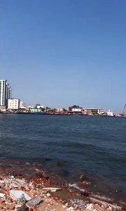 南戴河脏乱的洋河入海口!